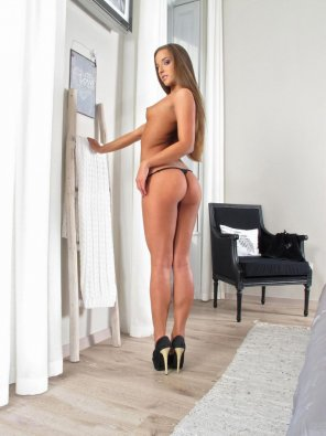 amateur photo Amirah Adara flaunts perfect Ass