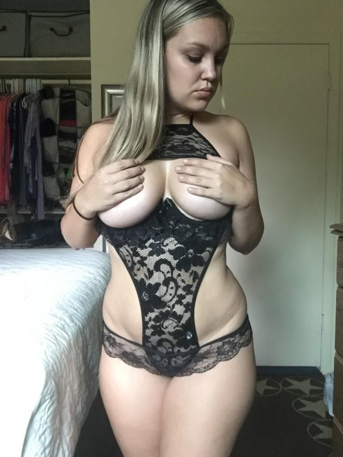 Stacked Blonde Porno Zdjęcie