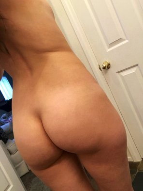 amateur photo Few things feel better than taking of[f] your clothes after work on a Friday