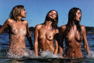 amateur photo 3 Girls in the Water