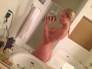 amateur photo PictureNaked mirror selfie
