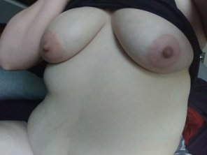 amateur photo Some of you wanted to see more, so here's what comes after cleavage [33F]