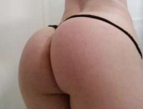amateur photo Thong Hungry PAWG with Skinny Waist