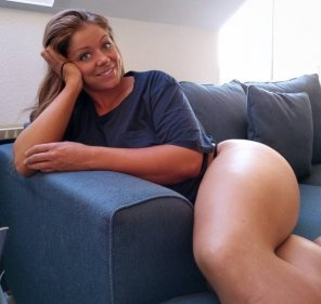 amateur photo Thick thighs and those eyes
