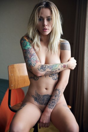 amateur photo Naked chick with tattoos...