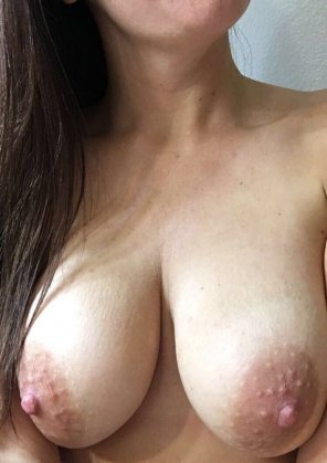 amateur photo HD nipples