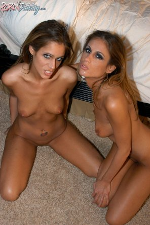 amateur photo Love Twins