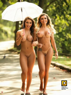 amateur photo Fiama Amorim and Alessandra Batista