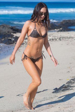 amateur photo Megan Fox's bikini body