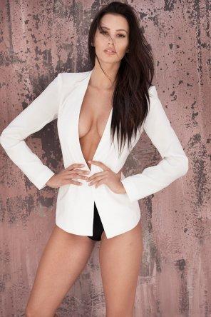 amateur photo White blazer