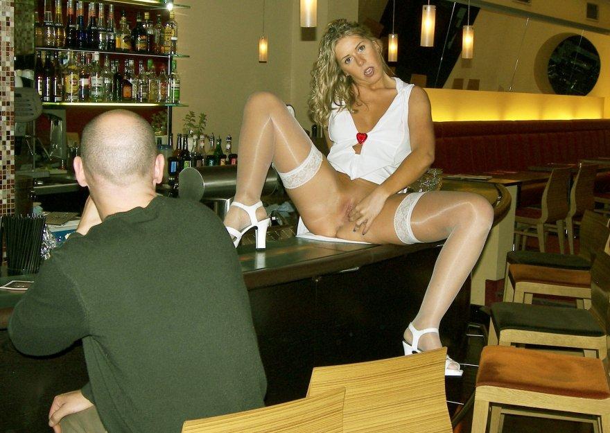 Yvonne flashing in Public Porn Photo