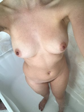 amateur photo I love the way I look in the shower [F]