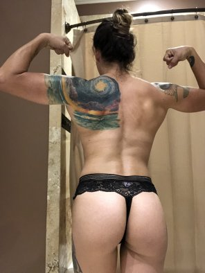 amateur photo I've been [f]eeling so small lately and I hate it. I miss lifting every day.