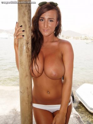 amateur photo Stacey Poole's rip melons on the beach