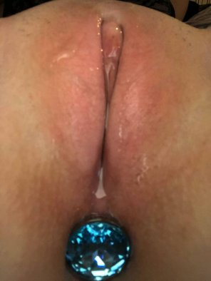 amateur photo One hole is already full and the other is lubed up waiting for you 😘