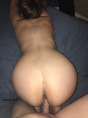 amateur photo [F] she doesn't think anyone would watch [M]