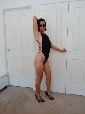 amateur photo MILF in a bodysuit
