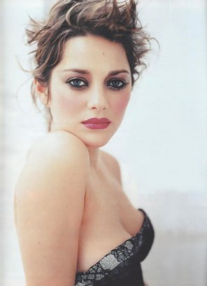 amateur photo Marion Cotillard.