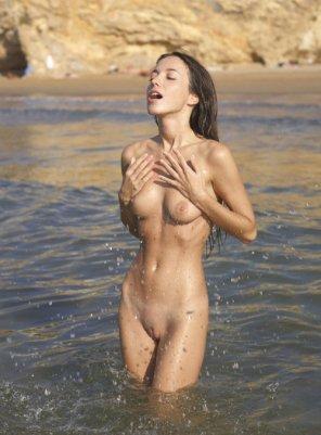 amateur photo Nude bathing