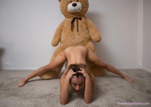 amateur photo Mia Valentine and a teddy bear