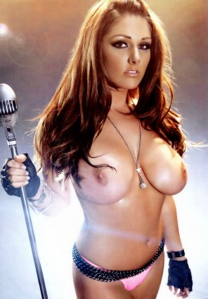 amateur photo Lucy Pinder