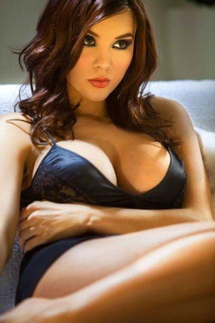 Beautiful busty brunette Porn Photo
