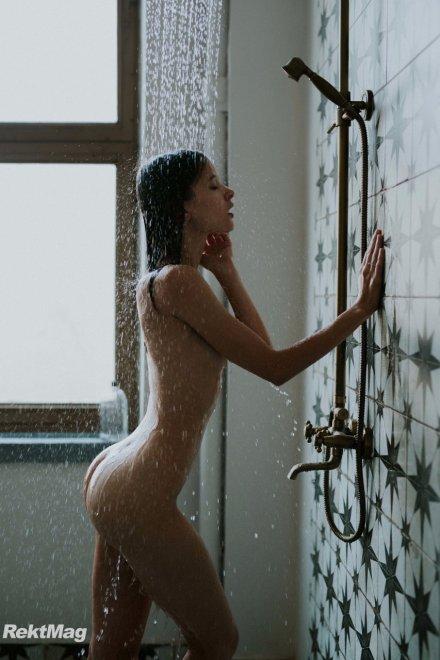 Shower hour Porn Photo