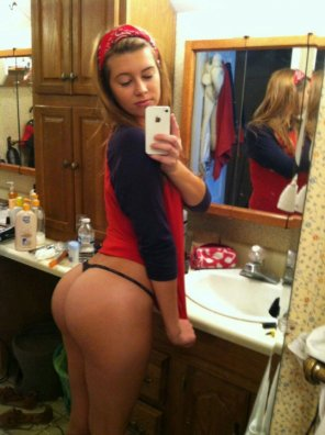 amateur photo Cute Girl with Hot Ass