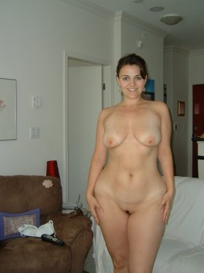 amateur photo Wide-hipped Milf.