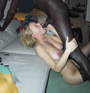 amateur photo girl sucks black dick