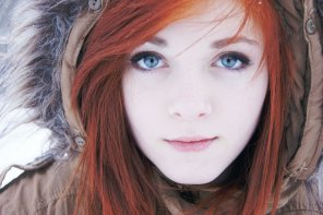 amateur photo Redhead in the snow