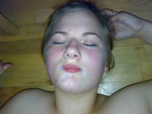 amateur photo Faceful of cum