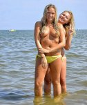 amateur photo Blondes at the sea