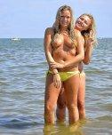 amateur photo Blondes at the sea