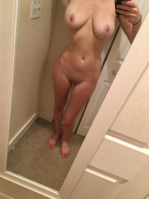 amateur photo [F] [OC] Classic mirror selfie for you