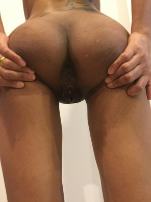 amateur photo Spreading my asshole for you [F]