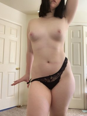 amateur photo [f]inish taking these off for me?