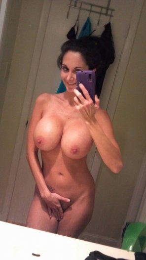 amateur photo Ava Addams Selfie