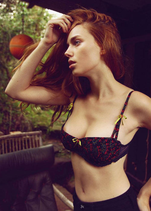 Pineapple (7) - Las Vegas Girl Directory