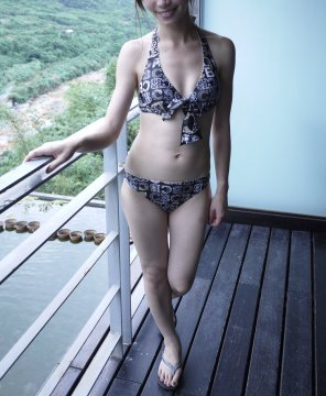 amateur photo PicFunsized bikini girl