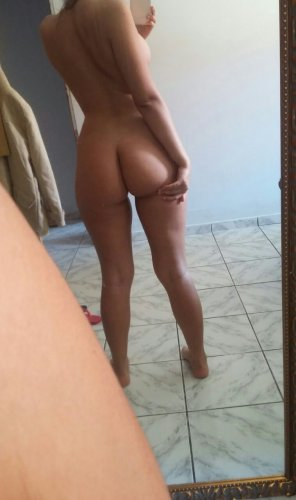 amateur photo A nice Brazilian booty