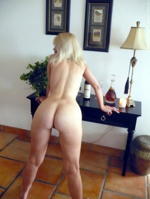 amateur photo Blonde Milf bent over