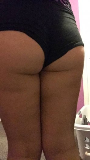 amateur photo More Booty calling for your cock