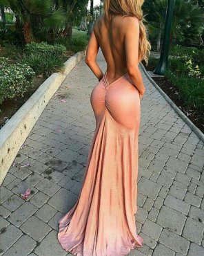 amateur photo Accentuates the right curves