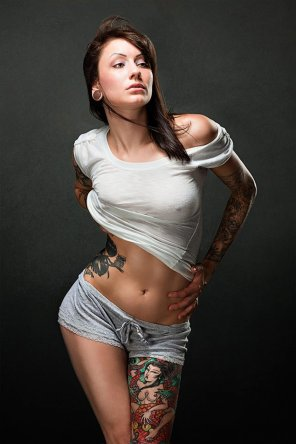 amateur photo The very awesome Leeann Billman showing ink, midriff and pokies!