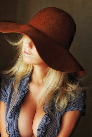 amateur photo Nice Hat
