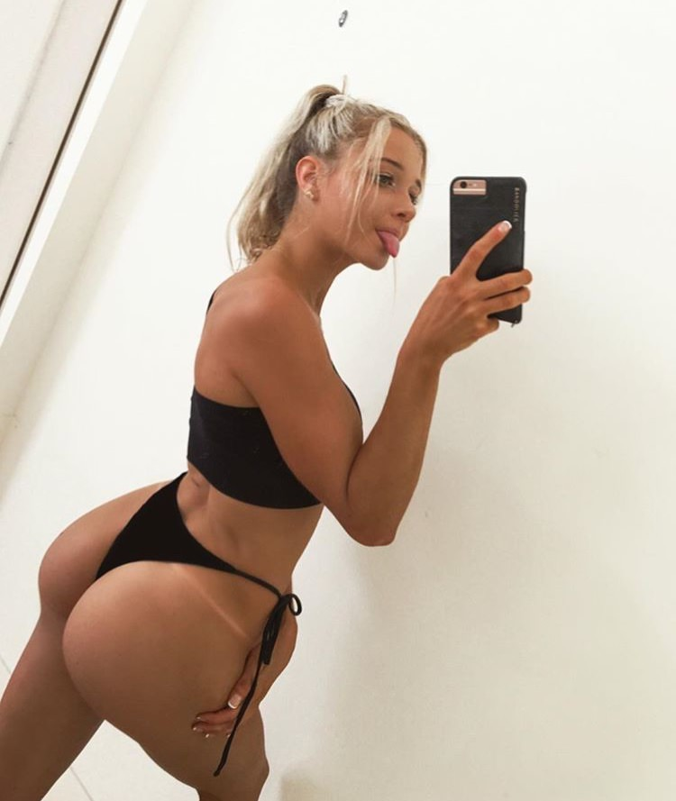 Lily Bowman Nude