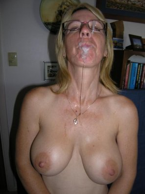 amateur photo Amateur MILF facial..