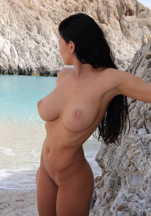 amateur photo Beautiful babe by the water