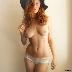 amateur photo Big black hat
